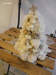 真っ白なクリスマスツリー☆